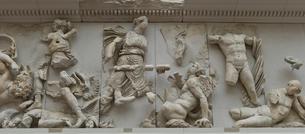 ペルガモン遺跡にあったゼウスの祭壇の写真素材 [FYI03996847]