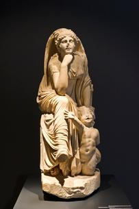 女性像とトリトンの写真素材 [FYI03996905]