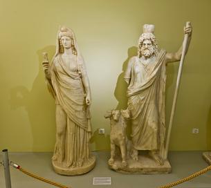 セラピスとイシス、ケルベロスの写真素材 [FYI03996918]