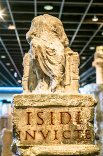 イシス女神像の写真素材 [FYI03996985]