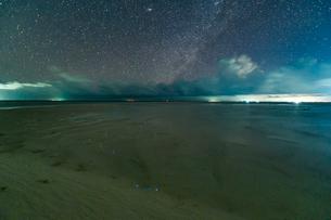 モルディブの星空の写真素材 [FYI03997055]