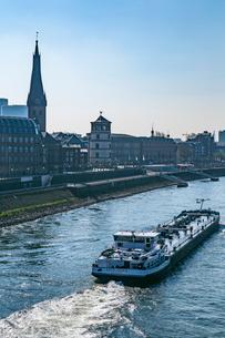デュッセルドルフの町並み ライン川の写真素材 [FYI03997062]