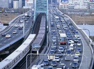 新御堂筋渋滞の写真素材 [FYI03999357]