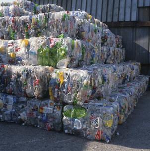 リサイクル用ペットボトルの写真素材 [FYI03999522]