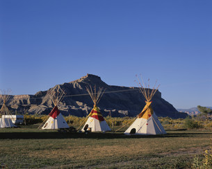 インディアンのテントの写真素材 [FYI04003257]