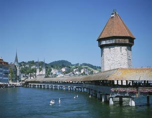 カペル橋 ルツェルン スイスの写真素材 [FYI04005801]