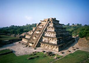 エルタヒン遺跡の壁龕のピラミッドの写真素材 [FYI04008786]
