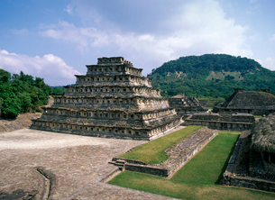 エルタヒン遺跡 壁龕のピラミッドの写真素材 [FYI04008794]