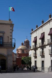 旧市街地のアルマス広場の写真素材 [FYI04008843]