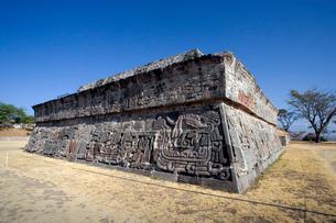 ソチカルコ遺跡の羽毛ある蛇のピラミッドの写真素材 [FYI04008932]