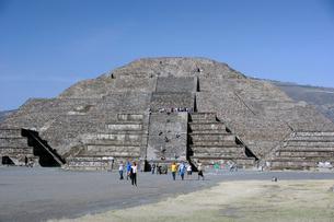 月のピラミッドの写真素材 [FYI04008940]