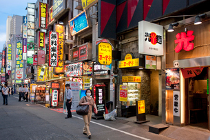 歌舞伎町の写真素材 [FYI04009028]
