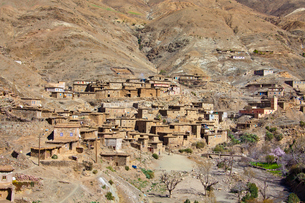 Atlas Mountains-Tizi-n-Tichka Pass-Villageの写真素材 [FYI04009160]