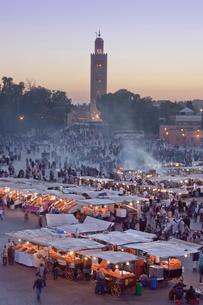 The Medina-Shop-Djemaa el-Fna Square-Koutobia Towerの写真素材 [FYI04009233]