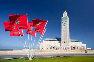 Tallest Minaret in the world (210m)-Morocco Flagの写真素材 [FYI04009244]