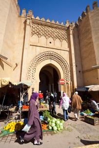 Boujloud Square and Medina Gateの写真素材 [FYI04009283]