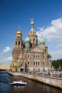 Rusia , San Petersburg City, Church of the Savior on Spilledの写真素材 [FYI04009303]