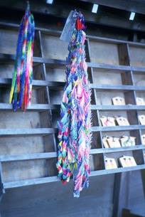 千羽鶴 高麗神社の写真素材 [FYI04009361]