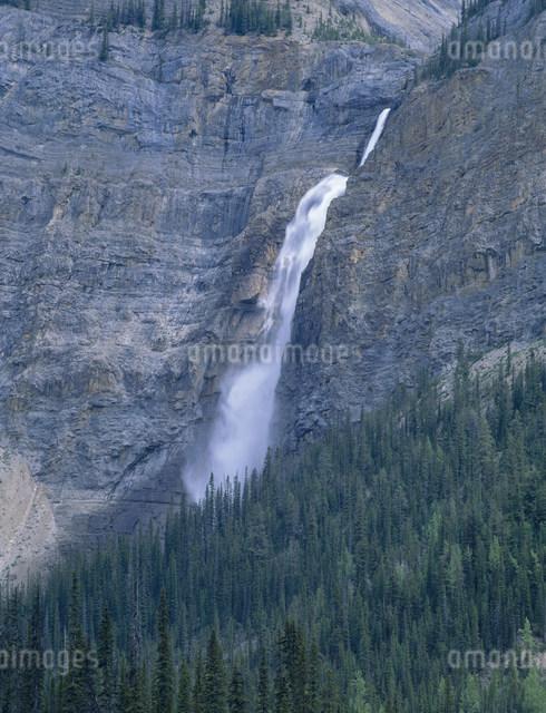 タカカウ滝の写真素材 [FYI04009571]