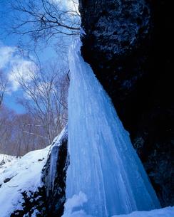 たろし滝の写真素材 [FYI04009676]