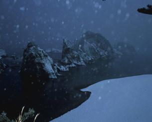 雪降る浄土ヶ浜の写真素材 [FYI04009704]