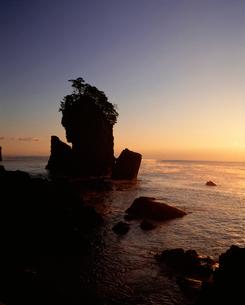 朝霧の三王岩の写真素材 [FYI04009722]
