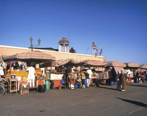 ジャマ・エル・フナ広場の写真素材 [FYI04010906]