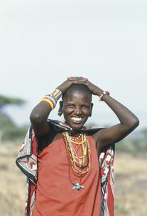 マサイ族の女性 マサイマラ動物保護区の写真素材 [FYI04011005]
