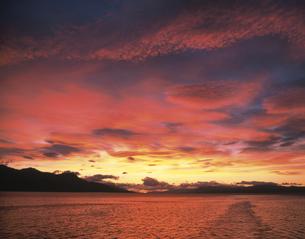 朝焼け雲 ウスワイアの写真素材 [FYI04011555]
