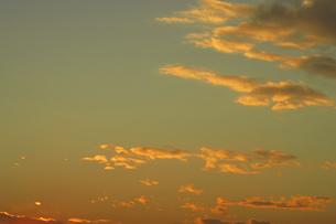 夕焼け雲の写真素材 [FYI04011624]