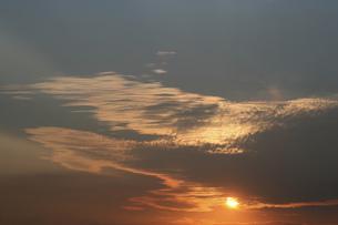 夕焼け雲の写真素材 [FYI04011625]
