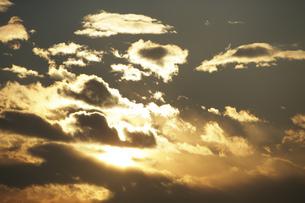 夕焼け雲の写真素材 [FYI04011626]