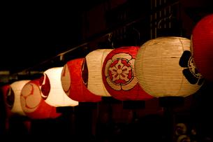 祇園祭宵山の提灯の写真素材 [FYI04014188]