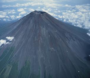 夏の富士山 (航空写真)の写真素材 [FYI04014589]
