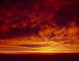 乗鞍岳の朝焼けの写真素材 [FYI04014688]
