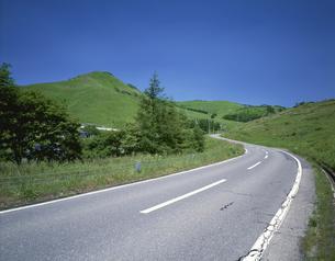 車山とビーナスライン 車山高原の写真素材 [FYI04014974]