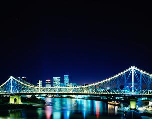 ストーリー橋とシティの写真素材 [FYI04015686]
