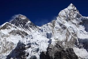 カラパタールよりエベレスト山群の写真素材 [FYI04016730]