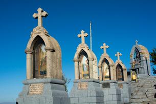 カルバリオの丘の十字架と祭壇の写真素材 [FYI04016811]