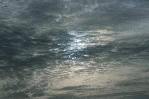 灰色の雲の写真素材 [FYI04016958]