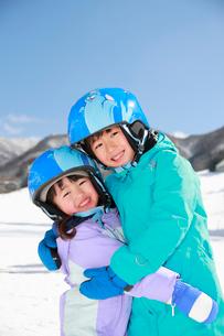 スキー場の子供たちの写真素材 [FYI04018469]