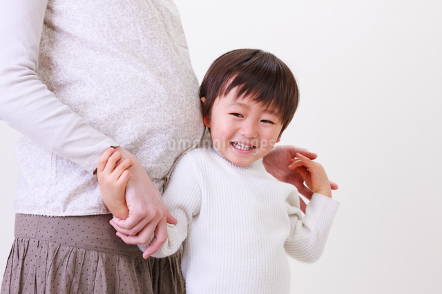 お腹の大きな母親と子供の写真素材 [FYI04018934]