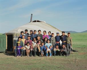 遊牧民の一族の写真素材 [FYI04019030]