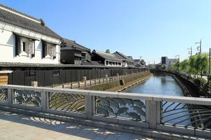 幸来橋から見る蔵の街の写真素材 [FYI04019282]