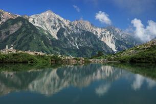 八方池と白馬三山の写真素材 [FYI04021084]