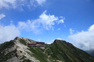 唐松岳頂上山荘の写真素材 [FYI04021204]