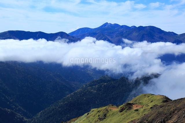 焼岳より望む乗鞍岳の写真素材 [FYI04021617]