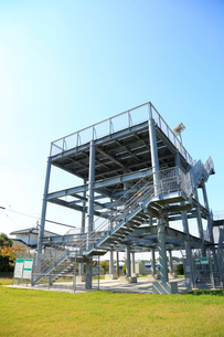 津波避難タワーの写真素材 [FYI04021802]