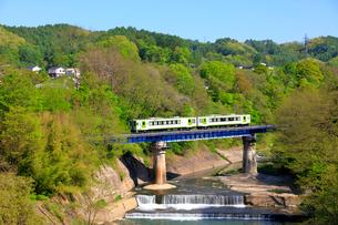 小海線の列車の写真素材 [FYI04022709]