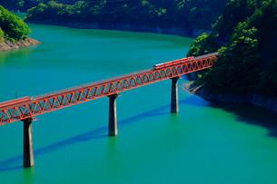 大井川鉄道井川線 奥大井レインボーブリッジの写真素材 [FYI04022824]